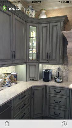 Best Valspar Aspen Grey And Black Glaze Painting Cabinets 640 x 480