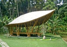 Image 9 of 12 from gallery of The Yoga Pavilion at Four Seasons / IBUKU. Indoor Outdoor Bathroom, Outdoor Yoga, Bamboo Structure, Timber Structure, Bamboo Building, Green Building, Bamboo Architecture, Concept Architecture, Bamboo Construction