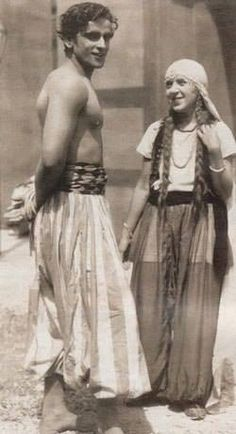 Grand Old Patriarch of Indian Cinema, and of Kapoor Clan that dominated Indian Cinema till now.  Prithviraj Kapoor Rare Image Pics. Could be 1940s I guess.