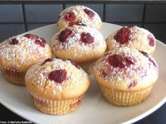 Vanille-Muffins mit Himbeeren - Rezept mit Bild - Best Picture For baking desserts raspberry For Your Taste You are looking for something, and it is going Easy Cookie Recipes, Donut Recipes, Snack Recipes, Dessert Recipes, Dessert Blog, Baking Desserts, Cupcake Recipes, Raspberry Recipes, Ice Cream Recipes