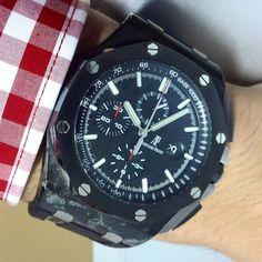 AP Novelty Carbon 2013 H series Mint condition New box Inquire at 62 815 8599 0021 ====================================== #audemarspiguet #horology #hublot #hermes #timepiece #tourbillon #bugatti #instawatch #urwerk #jualanjam #richardmille #panerai #black #patekphilippe #jamsecond #watch #sevenfriday #watchporn #armcandy #rolex #watchanish #unico #time #luxury #l4p #lamborghini #ferrari #thebillionairesclub #jamtanganmewah #jamtanganori by divine.watch