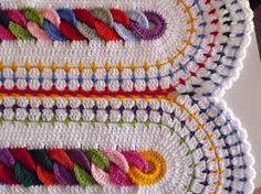 Risultati immagini per copertine uncinetto lana