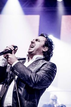 Dutch singer Marco Borsato No One Loves Me, Dutch, First Love, Meet, Singer, In This Moment, Fan, Couture, Concert