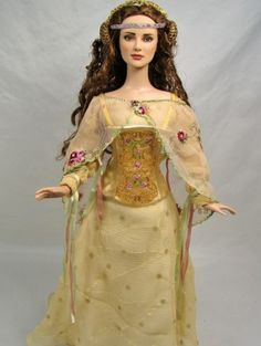 About Padme Picnic: UB Daphne repainted as Padme by Sashableu. Picnic gown by Becky Unger.