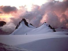 achtergronden voor op je mobiel - Besneeuwde bergen: http://wallpapic.nl/landschappen/besneeuwde-bergen/wallpaper-39838