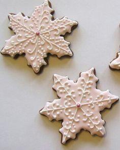 ☆ White Christmas Wonderland ☆  snowflake cookies