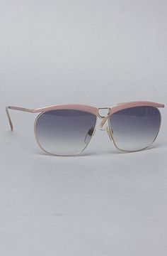 The Gucci 2217 Sunglasses by Vintage Eyewear