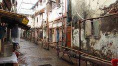 No cues coz of rain y ur bhagats don't buy umbrellas n come I was in love ganesh n I had a rainy fun
