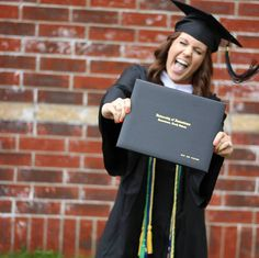 So want a picture like this when i graduate college!!