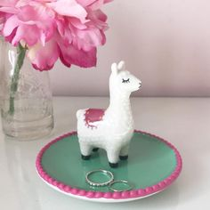 Polymer Clay Cat, Polymer Clay Figures, Llama Decor, Alpaca Gifts, Cute Clay, Ceramics Projects, Clay Cats, Sgraffito, Centre Pieces