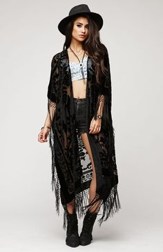 Saltwater Gypsy Brocade Kimono #saltwatergypsy #pacsun ~ SO STEVIE! I'm obsessed with this!!!!