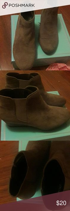 Marbella Chevelle Great shoes with great color .Very comfy great pair with short or with pants size 6 1/2 used once but lose in my feet Marbella Chevelle Shoes Ankle Boots & Booties