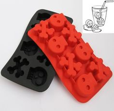 Skull Crossbones Ice Cube Tray - Skullspiration.comSkullspiration.com – skull designs, art, fashion and more