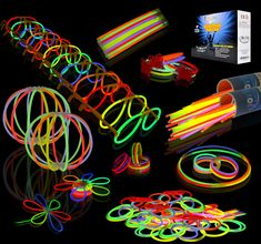 Amazon.com: Joyin Toy 200 8'' Glowsticks Glow Sticks Bracelets Glow Necklaces Party Favors Pack (7 Colors Total 456 PCs): Toys & Games | @giftryapp