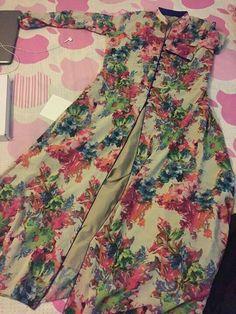 Beautiful Pakistani Dresses, Pakistani Dresses Casual, Indian Gowns Dresses, Indian Fashion Dresses, Pakistani Dress Design, Pakistani Frocks, Lovely Dresses, Girls Frock Design, Fancy Dress Design