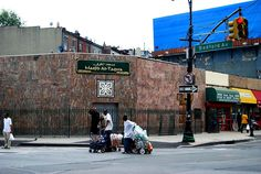 No problems finding a mosque in NYC.. However one of my favourites is this unassuming one in Brooklyn.   Masjid Al-Taqwa is the masjid of Imam Siraj Wahhaj... Check his brief history on wiki: http://en.m.wikipedia.org/wiki/Siraj_Wahhaj  An amazing pioneer of Islam in the US of A and what a friendly mosque it is.   A place that you got to visit. :)