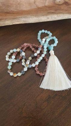 Mala amazonite 108 billes pierres fines yoga méditation Mala Meditation, Throat Chakra, Be True To Yourself, Tassel Necklace, Articles, Yoga, Beads, Stone, Unique