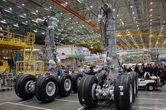 Boeing 777 landing gear