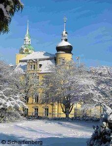 Das verschneite Oldenburger Schloss. Foto: Rolf Scharfenberg