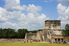La zona arqueológica de #ChichenItza, la cual se encuentra en #Yucatán, #Mexico, fue inscrita en la lista del #PatrimonioDeLaHumanidad por la #UNESCO en 1988. http://www.bestday.com.mx/Chichen-Itza/ReservaHoteles/