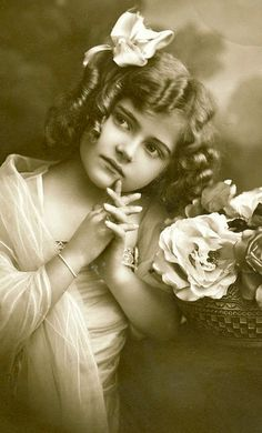 Vintage Postcard ~ Girl w/ Ringlets