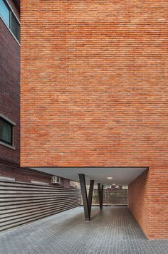 Image 14 of 14 from gallery of Nonhyun Limelight Music Consulting / Dia Architecture. Photograph by Dia Architecture Architecture Design, Contemporary Architecture, Brick Design, Facade Design, Brick Detail, Recording Studio Design, Brick Facade, Brick Wall, Brick Colors