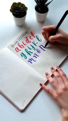 Lettering Guide, Hand Lettering Styles, Hand Lettering Practice, Bullet Journal Lettering Ideas, Hand Lettering Alphabet, Hand Lettering Tutorial, Creative Lettering, Brush Lettering, Cursive Alphabet
