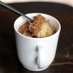 2 Minute Coffee Cake in a Mug | Have your coffee in one hand and this tasty coffee cake recipe in the other! Mug cake recipes are just so convenient, aren't they?