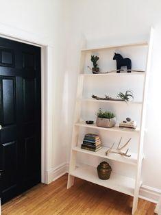 Full tutorial for making a Scandinavian inspired ladder shelf - www.rowhousenest.com