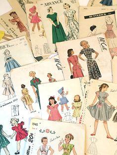 SCRAPBOOK CLIP ART 32 Sewing Pattern Envelope by DesignRewindHome