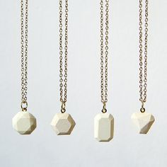 Make these stunning concrete faceted pendants with this step-by-step tutorial.