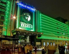 Wicked at the Apollo Victoria Theatre, London - have seen it twice here and once in Dublin! Roman Theatre, Apollo Theater, Musical London, London Theatre, Musical Saw, Musical Theatre, Wicked Book, London Shopping, Sister Act
