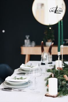 Are you looking for ideas how to decorate your dinner table on Christmas? How about a clean, scandinavian inspired table setting? An elegant table doesnt have to be complex: Add a linen tablecloth, fir branches, some candles - and of course, your best cutlery! Check out our store to find beautiful French cutlery that compliments any holiday table. #forgedelaguiole #laguiole #laguioleknife #tablesetting #christmas #christmasdinner #christmastable #scandinavian #cutlery #tabledecor #holiday