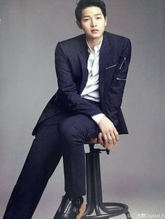 Batch of Song Joong Ki's Harper's Bazaar China Spreads Park Hae Jin, Park Hyung, Park Seo Joon, Song Joong, Song Hye Kyo, Asian Actors, Korean Actors, Descendants, Seo Dae Young
