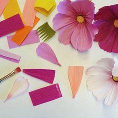 Instagram photo by @a.casual.florilegium with DIY paper flower mini tutorial #paperflowers