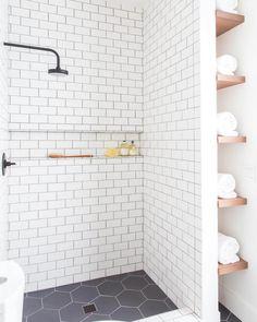 29 Popular Bathroom Shower Tile Design Ideas And Makeover. If you are looking for Bathroom Shower Tile Design Ideas And Makeover, You come to the right place. Here are the Bathroom Shower Tile Design. Bad Inspiration, Bathroom Inspiration, Interior Inspiration, Bathroom Design Small, Modern Bathroom, Parisian Bathroom, New Bathroom Designs, Minimal Bathroom, Shower Designs