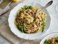 Zitronen-Spaghetti mit Thunfisch und Kapern