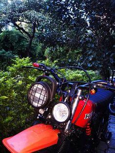 Honda XR200R restaurada tipo Scrambler en FujiMotos Medellín