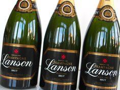 Hľadáte krásny darček ? Možno práve Lanson Champagne vás osloví ------ www.vinopredaj.sk ------  Darujte unikátne Chapagne Lanson Black Label Magnum z Reimsu, objem 1,5 L.  #champagne #lanson #blacklabel #sampanske #magnum #france #brut #vino #wine #wein #inmedio #vinoteka #wineshop #winehaus #francuzsko #reims #gift #dar #box #bublinky #delishop #giftshop #darcek #darceky #ochutnaj #sumive #sumivevino #dobre #dobredobre #chutne