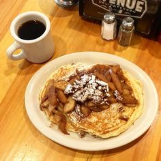 There's no better way to celebrate #NationalCoffeeDay than with Caramel Apple Pancakes. . . . . . . . . . . #coffee @greenstreetcoffee #apples #lansdowneproud #homemade #nationalcoffeeday #delicious #breakfast #brunch #lunch #treatyoself