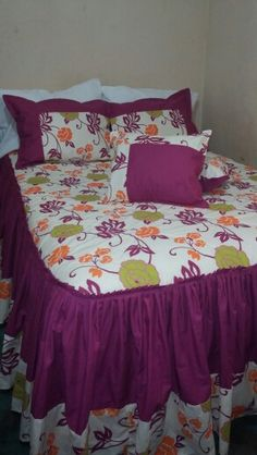 Sobecorcha Bedroom Bed Design, Linen Bedroom, Bed Cover Design, Designer Bed Sheets, Crochet Baby Dress Pattern, Bedroom Decor For Couples, Bedding Collections, Bed Covers, Bed Spreads