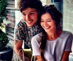 Louis and Eleanor won cutest couple of the week in J12 mag! Congrats loves xx @Eleanor Calder @Louis Tomlinson