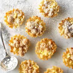 Mini Tartlets, Mini Pies, Apple Pie Recipes, Orange Recipes, Apple Pie Pastry, New Vegetarian Recipe, Candied Sweet Potatoes, Dutch Apple, Holiday Pies