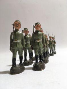 Elastolin Massefiguren 12 marschierende Soldaten II. Weltkrieg | eBay