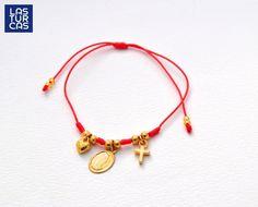 Diy Jewelry, Jewelry Making, Red String Bracelet, Simple Bracelets, Girls Bags, Bracelet Tutorial, Diy Art, Jewerly, Swarovski