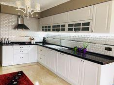 White Kitchen, Kitchen Remodel, Kitchen Decor, Modern Kitchen, Home Decor, Kitchen Chandelier, Interior Design, Wall Color, Kitchen Design