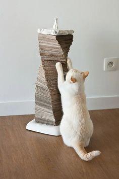Ideas For Cat Tree Diy Cardboard Scratching Post Cardboard Cat Scratcher, Diy Cat Tree, Cat Enclosure, Cat Room, Pet Furniture, Cat Crafts, Diy Stuffed Animals, Pet Accessories, Crazy Cats