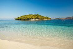 11 förbisedda resmål att upptäcka i Europa | ELLE Menorca, Bari, Around The Worlds, Places, Water, Destinations, Outdoor, Beautiful, Europe