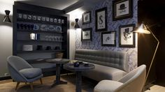 Located a walk from Opéra Garnier and 900 metres from Galeries Lafayette, Hotel Eugène en Ville is a design-style hotel, decorated in silver. Hotel Paris, Paris Hotels, Shopping In Paris France, Dandy, New Seven Wonders, Merci Paris, Hotels In France, Best Boutique Hotels, Wallpaper Magazine