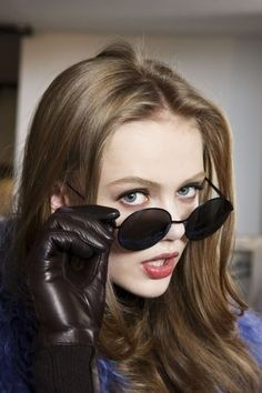 """queenfrida: """" Frida Gustavsson backstage at Versace Fall/Winter 2010 Ready-to-wear """" Gloves Fashion, Fashion Accessories, Frida Gustavsson, Models Backstage, Girls Diary, Black Leather Gloves, Real Leather, Driving Gloves, Portraits"""